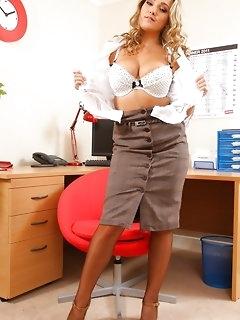Hot pics of sexy secretaries