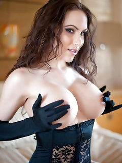 Nude girls in corsets pictures